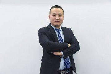「教师采访」万江涛:职责在身  站好每一班岗